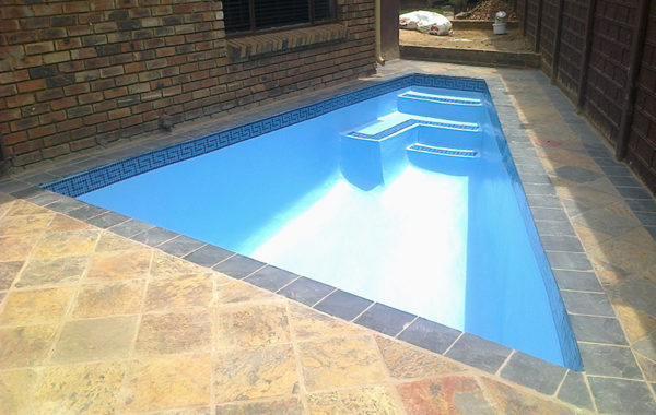 Concrete Pools with Fiberglass Lining